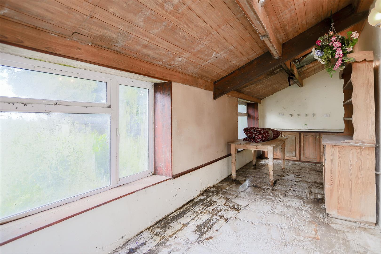 2 Bedroom Barn Conversion For Sale - IMG_2396.jpg